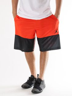 Scopri Pantaloni corti tuta Nike Jordan Wings Blockout Short Nike Jordan. Approfitta delle migliori offerte Streetwear e Sneakers e Acquista Online su Moveshop.it!