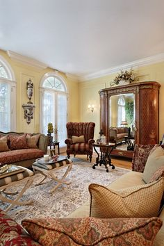 Victorian Living Room Decorating Ideas | Traditional Victorian Style Living Room Design Ideas with Crown Chair & 24 best Victorian Living Rooms images on Pinterest | Victorian ...
