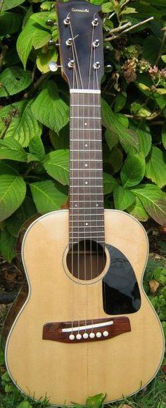 frettedchordophones: Gary Zimnicki Octave Guitar - a stumpy delight =Lardys Ukulele of the day - a year ago --- https://www.pinterest.com/lardyfatboy/