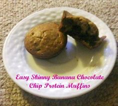 Need a quick, easy and healthy on-the-go breakfast? Try these Skinny Banana Chocolate chip Protein Muffin
