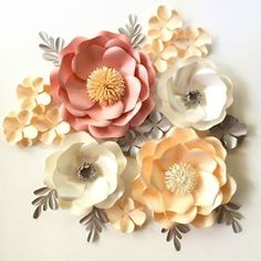 Our Wild Rose flower template allow you to create flower in different sizes (just play around petals size and quantities) Our tutorial shows how to make a flower in 30 cm size Giant Paper Flowers, Diy Flowers, Flower Decorations, Fabric Flowers, Diy Paper Roses, Paper Flowers How To Make, Paper Flower Wall, Paper Flower Backdrop, Diy Fleur Papier
