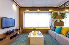 Confira algumas dicas de como decorar sala de tv e veja o que é preciso para que o espaço cumpra o objetivo de ser confortável, agradável e bonita.