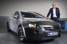 Засветили Opel Astra нового поколения. Компании Opel и Vauxhall официально подтвердили, что модель Astra следующего поколения дебютирует осенью, на Франкфуртском автосалоне. (+ВИДЕО)