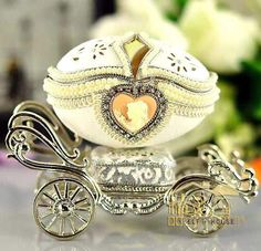 European Royalty Egg Carving Classic Luxury Silver Carriage Jewelry Box Music Box EH090058