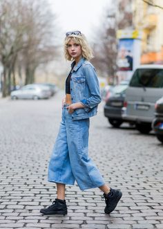 Street Style Trend: How to Pull Off the No-Socks Look