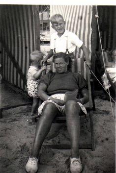 Scheveningen 1946. Sumo, Wrestling, Couple Photos, Couples, Sports, Lucha Libre, Couple Shots, Hs Sports, Couple Photography