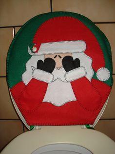Decoração de natal em feltro para seu vaso sanitário. Tampa aberta.