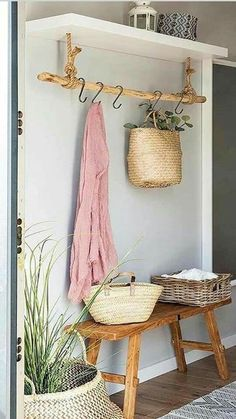 Entry Way Decor Foyer Decor Home Decor Rustic Farmhouse Farm House Country Home Entryway Ideas Foyer Ideas House Ideas Apartment Dcor - Decoration Easy Home Decor, Farmhouse Kitchen Decor, Foyer Decor, Home Decor Accessories, Interior, Home Decor, House Interior, Apartment Decor, Creative Home