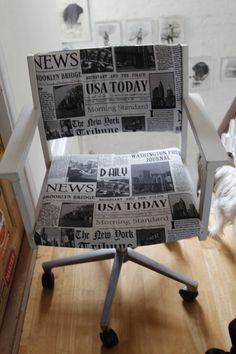 Kontorstol retro: Old White på en gammel retro kontorstol - og betrukket om med trendy stof. Nok trendy til at vores søn ville have stolen, da den blev mega sej fra at have været et gammelt lig, som ingen ville have.