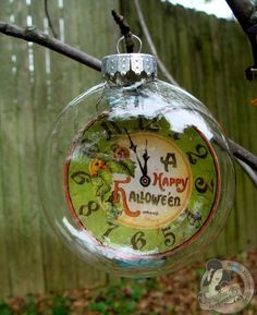 Love these cute Halloween ornaments from @Nicole Eccles using Happy Haunting! So awesome! #graphic45
