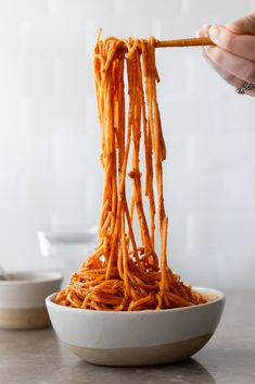 Creamy Gochujang Noodles — Cooking with Cocktail Rings Seitan, Tempeh, Tofu, Mie Noodles, Korean Noodles, Korean Dishes, Korean Food, Cheap Meals, Easy Meals