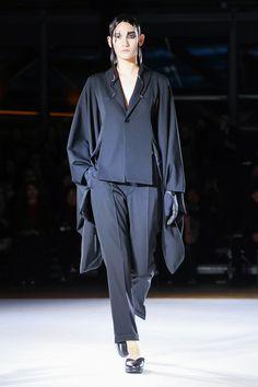 Yohji Yamamoto Ready To Wear Fall Winter 2015 Paris