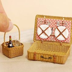 1:12 Dollhouse  Miniature Wooden Vegetable Fruits Basket Furniture Accessor llES