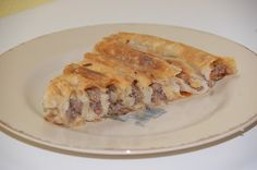 Fru Maksumic's kjøkken og hjem: Pita (Bosnisk Børek) Apple Pie, Desserts, Food, Tailgate Desserts, Apple Cobbler, Dessert, Postres, Deserts, Meals