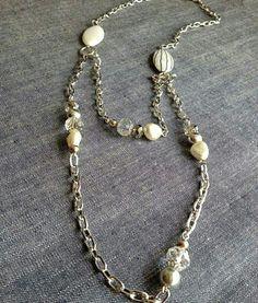 N'oubliez pas nos divers cours de bijoux que nous vous offrons avec grand plaisir !😉 Voir notre site web pour en savoir d'avaantage: www.billesetcie.ca #billes #et #cie #cour #bijoux #jewelry #nice #cool #produit #loveit #love #it #beads