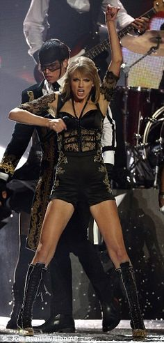 Taylor Swift at The Brit Awards 2013 - Never interested in her music but the change of image and recent live performances have been impressive