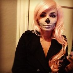 52 Gorgeous Skull Makeup Ideas to Try This Halloween # Soirée Halloween, Halloween Skeletons, Halloween Costumes, Halloween Face Makeup, Facepaint Halloween, Beauty Tutorials, Beauty Hacks, Beauty Tips, Beauty Stuff