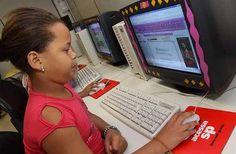 """O Acessa SP, programa de inclusão digital do Governo de São Paulo, inaugura nesta segunda-feira,27, o """"Acessinha SP"""", uma sala especialmente dedicada aos usuários de até 11 anos de idade. O uso do espaço, no posto do Parque da Juventude, zona norte, é totalmente Catraca Livre. Com a sala, as crianças vão dispor de um...<br /><a class=""""more-link"""" href=""""https://catracalivre.com.br/geral/urbanidade/indicacao/inauguracao-do-acessinha-sp/"""">Continue lendo »</a>"""