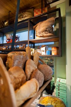 A family owned vintage style bakery in the center of town. Bakery Interior, Restaurant Interior Design, How To Store Bread, Shop Front Design, Healthy Dinner Recipes, Coffee Shop, Meals, Gallery, Food