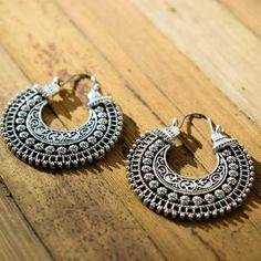 Vintage Earrings, Silver Earrings, Handmade Art, Handmade Jewelry, Vintage Silver, Stylish Outfits, Washer Necklace, Boho Chic, Crochet Earrings