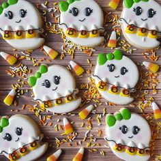 """802 Likes, 58 Comments - Sarah Robertson (@sugarcrushcookiessarah) on Instagram: """"These cuties are for the GOBO bake sale! #gobo #payitforward #sugarcookies #royalicing #ghost…"""""""