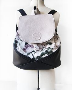 "Rucksäcke - RUCKSACK ""Blumen"" mit Magnetverschluss - ein Designerstück von Manufaktur-Nicola-Marisa bei DaWanda Fashion Backpack, Backpacks, Bags, Artificial Leather, Handbags, Flowers, Backpack, Backpacker, Bag"