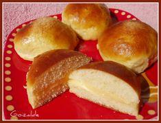 bollos Bilbao, Pretzel Bites, Hamburger, Bread, Food, Crumpet Recipe, Egg Wash, Buns, Butter