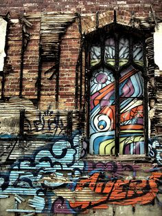 graffiti I wouldn't mind decorating my teenagers room with graffiti!!! So cool!