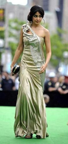 Genelia D\'Souza is an Indian film actress, model, and. Cute Celebrities, Indian Celebrities, Bollywood Celebrities, Bollywood Fashion, Bollywood Actress, Celebs, South Indian Actress, Beautiful Indian Actress, Genelia D'souza