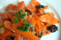 Carrots Soaked in Wine with Raisins