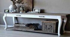 DIY déco : 5 conseils pour bien patiner un meuble - - Deco Cool, Premium Wordpress Themes, Armoire, Entryway Tables, Furniture Design, Carpet, Cool Stuff, Antiques, Vintage