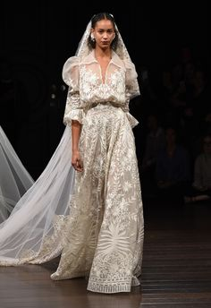 Best wedding dresses from Fall 2017 Bridal Fashion Week Fashion Week 2016, Bridal Fashion Week, Fall Wedding Dresses, Wedding Gowns, Formal Dresses, Naeem Khan Bridal, 2017 Bridal, Most Beautiful Dresses, Bridal Style