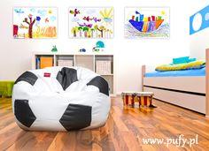 Pufa piłka jako prezent dla dziecka na Mikołajki? Co myślicie o takim prezencie?   #pufa #pufapiłka #pufadladziecka #pufy #pufydosiedzenia #pufysako #woreksako #poduchydosiedzenia #meblerelaksacyjne #fotel #fotelemłodzieżowe #fotelesako
