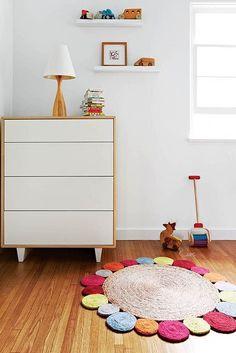 Alfombras habitaciones niñas http://www.mamidecora.com/alfombras-bebes-ni%C3%B1os-armadillo.html