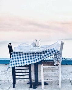 Animal Activist, Greek Recipes, Santorini, Bassinet, Greece, Blue And White, Modern, Design, Home Decor