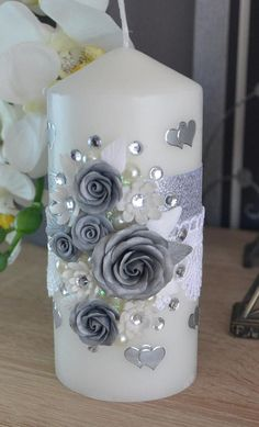 Easy Homemade Gifts, Homemade Candles, Diy Candles, Pillar Candles, Simple Centerpieces, Candle Centerpieces, Wedding Table Centerpieces, Graduation Centerpiece, Quinceanera Centerpieces