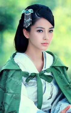 TV Play Love YunGe from the Desert Actress Angelababy Green Cloak Hanfu Costume Beautiful Asian Women, Simply Beautiful, Beautiful People, Look Fashion, Asian Fashion, Angelababy, Asia Girl, Hanfu, Woman Face
