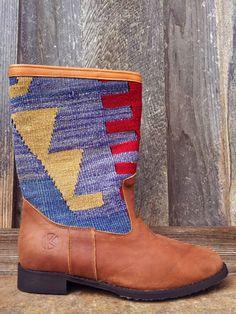 | kiboots | 'leeann' boot - size 41 {10}