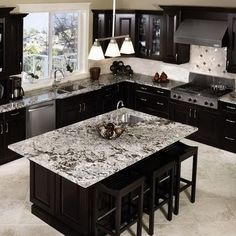 Trendy kitchen layout with island dark cabinets Espresso Kitchen Cabinets, Dark Cabinets, Grey Cupboards, Corner Cabinets, Staining Cabinets, Farmhouse Cabinets, Glass Cabinets, Dark Countertops, Kitchen Countertops