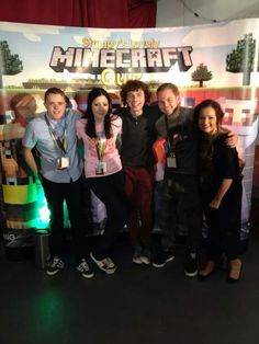 From left to right: lee, amy, stampy, squid, netty. The most amazing people I have seen <3 Minecraft Stampy, How To Play Minecraft, Zombies, Do Video, Amy Lee, Happy Fun, Best Youtubers, Good Times, Amazing People