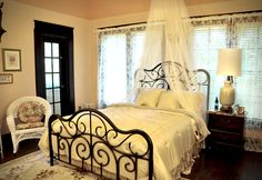 Heart to Heart suite at Texas Forest Country Retreat Bed & Breakfast $215 a night