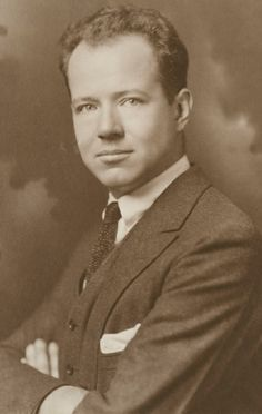 James Buell Munn became the Dean of Washington Square College in 1928.