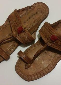 Kup mój przedmiot na #vintedpl http://www.vinted.pl/damskie-obuwie/klapki-chodaki-drewniaki/13437108-skorzane-klapki-japonki-goralskie-r37-24cm-idealn-stan