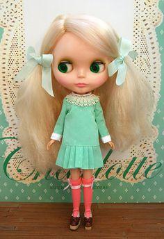 Sugar coated dress Dress design by : Sieste,Satomi Package design : Sieste Dress sewing : Higuchi Mint Coral, Aqua, Blythe Dolls, Girl Dolls, Charlotte News, Missing Missy, Cute Dolls, Doll Face, Worlds Of Fun