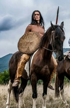Native American Dress, Native American Images, American Indian Art, Native American Indians, Westerns, Animal Totems, True Art, Native Indian, North America