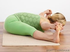 The sacroiliac joint—where the pelvis and sacrum meet—is where many yogis experience lower back pain. But you can resolve the discomfort in the same place it started: on the yoga mat.