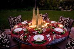 gorgeous christmas tables | 10 Tips for Setting a Beautiful Holiday Table - Dallas Christian ...