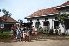 Ex interniran/tawanan perang tentara Jepang. Santa Ursula Bandung 1945