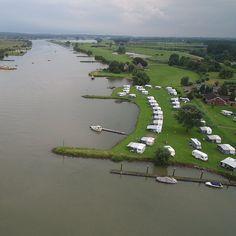 Kamperen direct aan het water in Gelderland, camping De Schans, een kleine camping gelegen in de Betuwe aan het water van de Neder - Rijn tegenover Amerongen op de Utrechtse Heuvelrug.