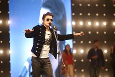 SUPERSTAR ALI ZAFAR UNDENIABLY POPULAR AS HE IS SET TO RELEASE PAKISTAN SUPER LEAGUE'S OFFICIAL ANTHEM FOR ANOTHER HISTORIC SEASON - Pakistani Fashion - Entertainment News by EbuzzToday